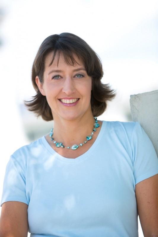 Dr. Astrid Mannes